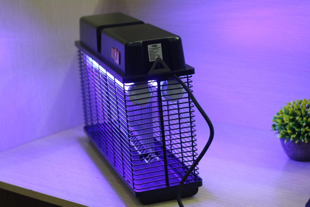 đèn diệt côn trùng nào tốt cho nhà xưởng?