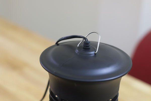 Phần móc treo của đèn bắt muỗi killer